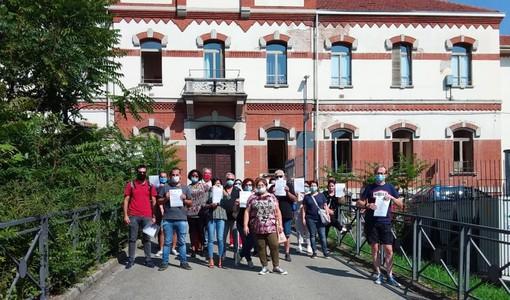 Volantinaggio sindacale per rimarcare la contrarietà alla privatizzazione della Casa di Riposo Città di Asti