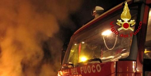 Vigile del fuoco nicese ferito a una spalla e al volto durante un intervento a Incisa Scapaccino