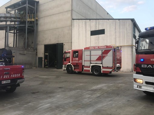 Asti, principio d'incendio alla A2A Ambiente di strada San Bartolomeo [VIDEO]