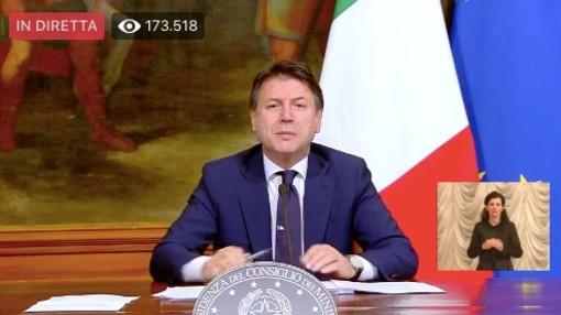 """Coronavirus, Conte sfodera il bazooka con un decreto senza precedenti: """"400 miliardi di euro alle imprese"""""""