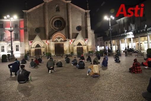 """Lunedì ad Asti nuovo flash mob pacifico dei lavoratori. In piazza il diritto di """"portare a casa la pagnotta"""""""