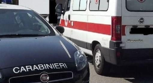 Auto dei Carabinieri e ambulanza 118