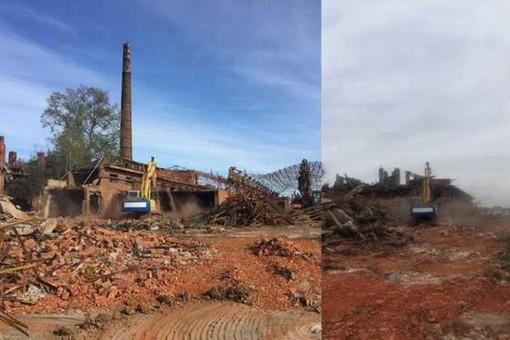Demolizione ciminiera ex fornace di Valfenera