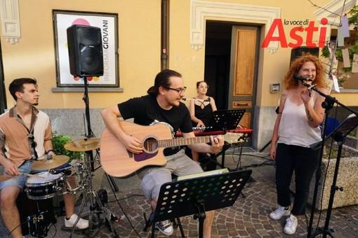 Continuano gli 'Aperitivi in musica' all'Informagiovani di Asti, tre giornate di incontro dedicate ai giovani dai 15 ai 35 anni