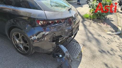 Rallentamenti in via Petrarca ad Asti per incidente auto