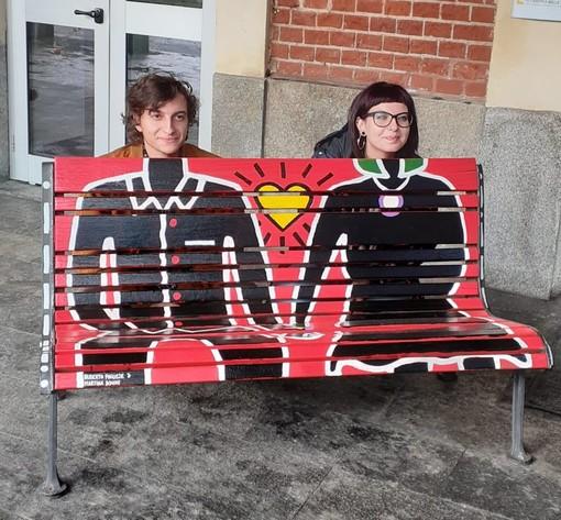 Destro&Sinistra, quando l'amicizia diventa arte. La mostra al Diavolo Rosso di Alberto e Martina