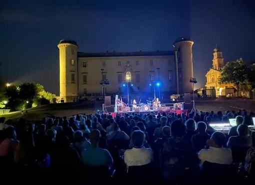 A Costigliole d'Asti il concerto degli Amemanera, ha sensibilizzato su AIDO