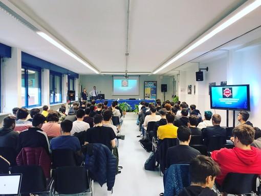 All'Istituto Artom di Asti si parla di educazione alla cittadinanza digitale