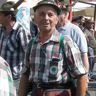 Il Gruppo Alpini Tonco piange la scomparsa dell'ex capogruppo Angelo Bevilacqua