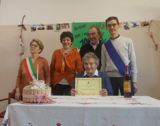 Festa a Cocconato per i cent'anni della signora Maria Bauchiero