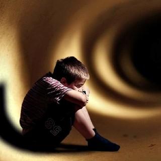 Oggi è la Giornata Internazionale dei bambini scomparsi, una brochure della Polizia informa