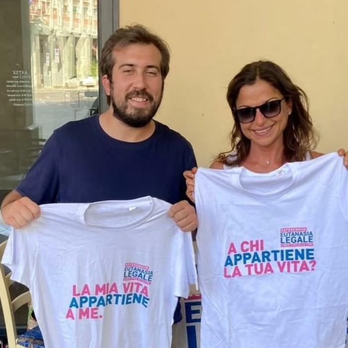 Mauro Bosia con la giornalista Laura Secci al banchetto
