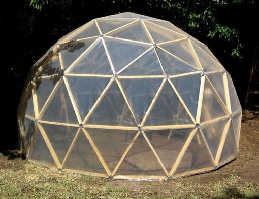 Il progetto BimbiSvegli, diventa associazione e installa una cupola geodetica con planetario a Serravalle