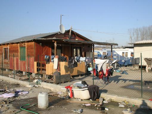 Campi nomadi ad Asti. Convocato un tavolo in Prefettura