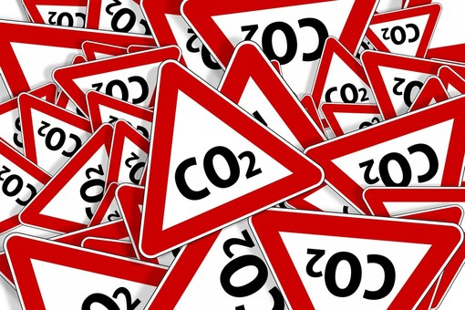 """Fridays for Future Asti: """"Ci restano solo 7 anni e mezzo prima di esaurire il carbon budget"""""""