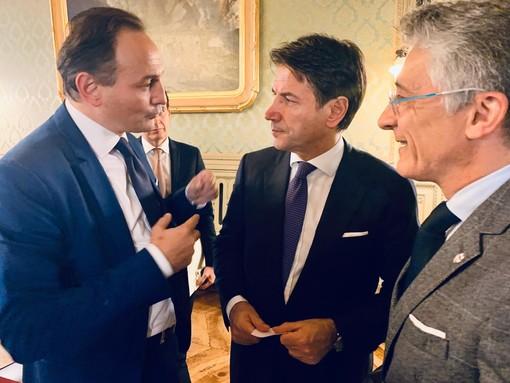 Alberto Cirio, Giuseppe Conte e Carlo Bo, sindaco di Alba