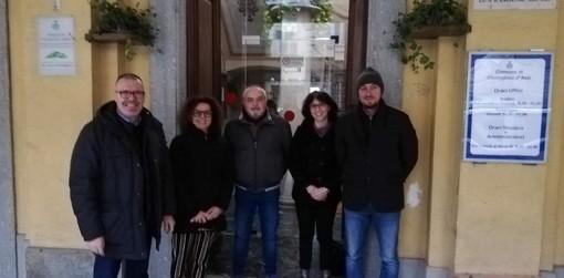 Da sx il sindaco Enrico Alessandro Cavallero, l'ass. Laura Bianco, l'ass. Claudio Austa, la vicesindaco Tanya Arconi e l'ass. Alessandro Borio
