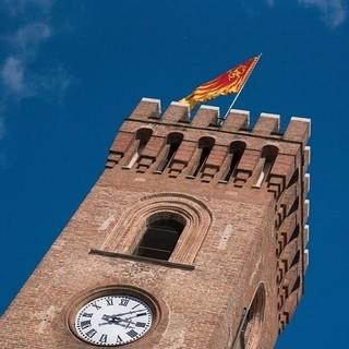 """Il """"Campanon"""", torre civica inglobata nel Palazzo Civico di Nizza Monferrato, simbolo della cittadina"""