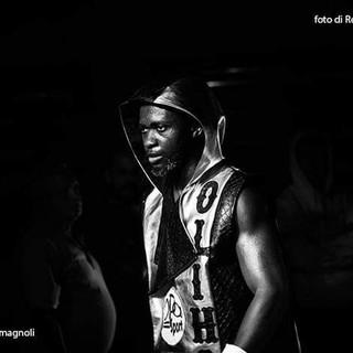 Intervista a Etinosa Oliha, l'imbattuto campioncino col mito Mayweather