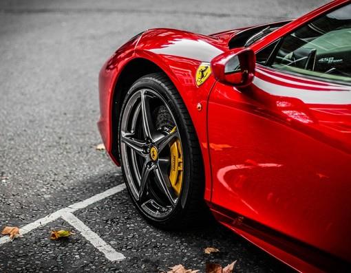 "Castelnuovo Belbo: motori caldi per il meeting ""Ferrari & Supercars"""