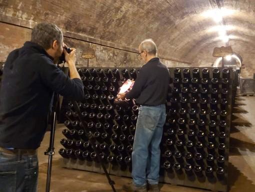 Fotografo in visita alle cattedrali sotterranee di Canelli