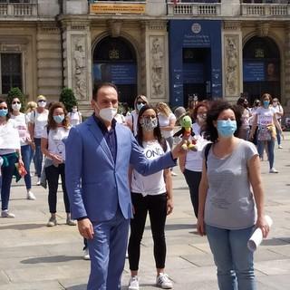 """Protesta di scuole paritarie e private davanti alla Regione, Cirio: """"Ci faremo sentire con il governo"""""""