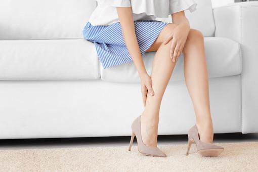8 regole per fronteggiare il problema delle gambe pesanti