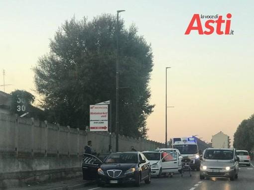 Code in tangenziale per incidente in corso Savona. Coinvolti tre veicoli