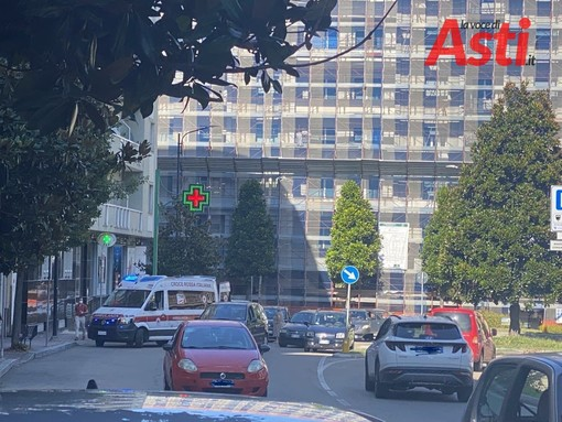 Asti: investito ciclista in piazza Vittorio Veneto
