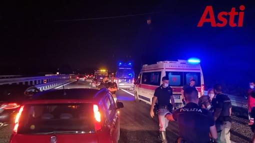 Causa incidente e fugge. La polizia stradale alla ricerca di un furgone