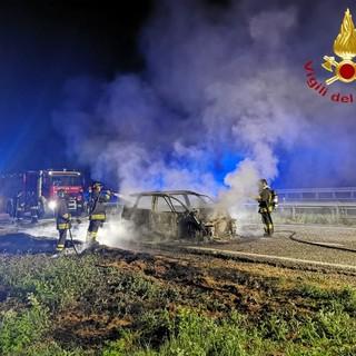 Ancora un incendio auto in autostrada, nessun ferito