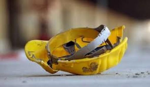 Incidente sul lavoro a Castagnole Monferrato. Casco a terra