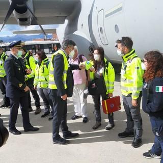 E' partita da Torino la missione sanitaria che fornirà ossigeno all'India