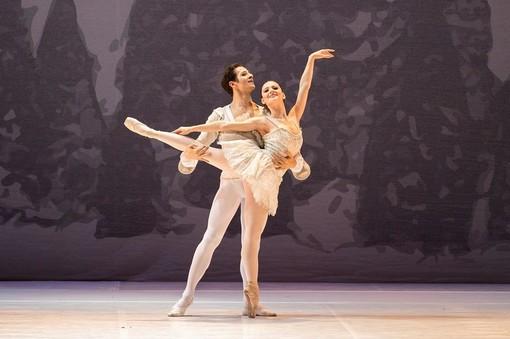 """Domenica pomeriggio il Balletto di Milano porterà all'Alfieri """"Lo Schiaccianoci"""""""