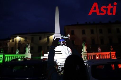 Il tricolore in piazza Roma (MerfePhoto)