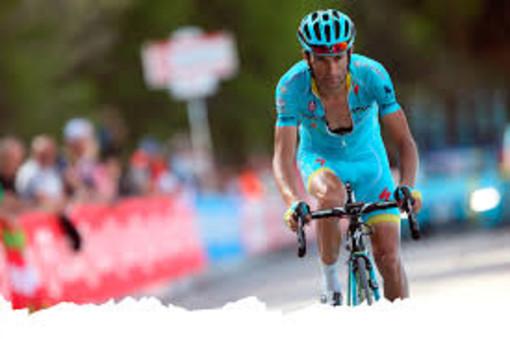 """""""Gambe-La strada è di tutti"""". Un'iniziativa sulla sicurezza stradale per arrivare alla tappa astigiana del Giro d'Italia"""