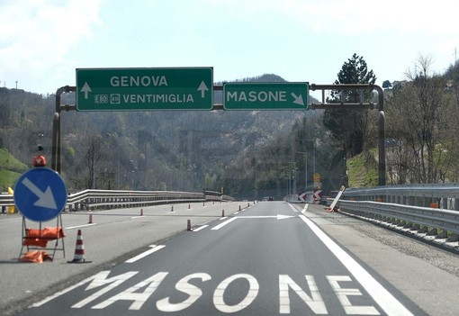 """""""I pedaggi sul tratto alpino della Torino-Savona e nel tratto dell'Autostrada dei Fiori che da Genova scende verso Savona, siano gratuiti a luglio e agosto"""". Lo chiede l'Uncem"""