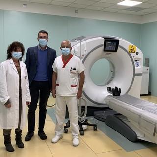 la dottoressa Tiziana Ferraris, direttore sanitario, il  Commissario Asl AT Giovanni Messori Ioli, Emanuele Diquattro, coordinatore tecnico della Struttura di Radiodiagnostica