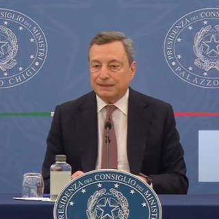 Il premier Draghi durante la conferenza stampa