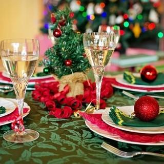 Il governo al lavoro sul 'DPCM Natalizio': ipotesi riapertura per bar e ristoranti, non più di 6 a cena, scuole chiuse fino a gennaio