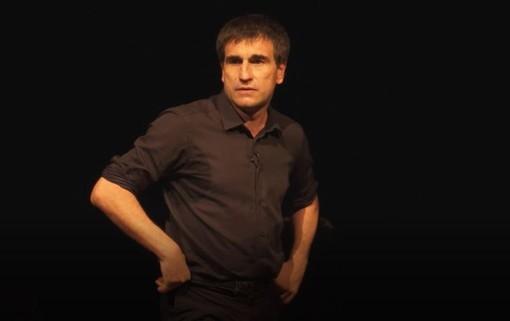 """Continua la stagione teatrale a Moncalvo: sabato 25 settembre """"Con le tue labbra senza dirlo"""""""