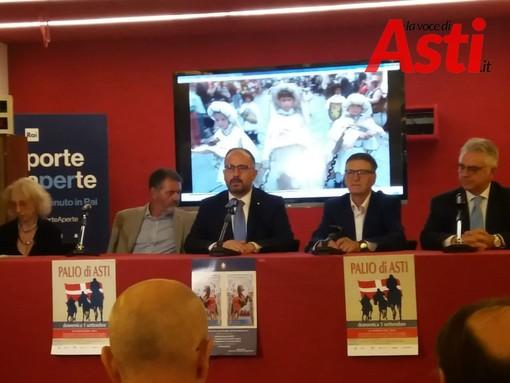 La conferenza di presentazione M.T Perosino collegio dei Rettori, M. Vespa cons. del. Palio, Maurizio Rasero sindaco di Asti, T. Mazzeo Rai