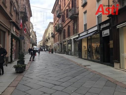 """L'inizio dei saldi ad Asti è 'timido'. I commercianti: """"Temiamo nuove chiusure e restrizioni"""""""