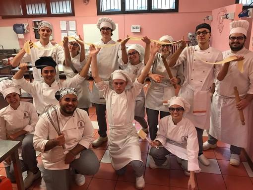 L'Istituto Penna di San Damiano al Salone dell'orientamento di Asti il 7 dicembre