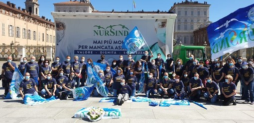 Immagini della protesta degli infermieri aderenti al Nursind Piemonte