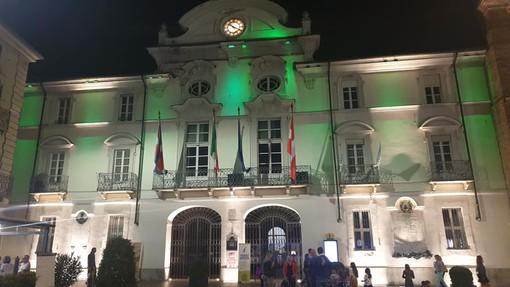 Piazza San Secondo illuminata di verde
