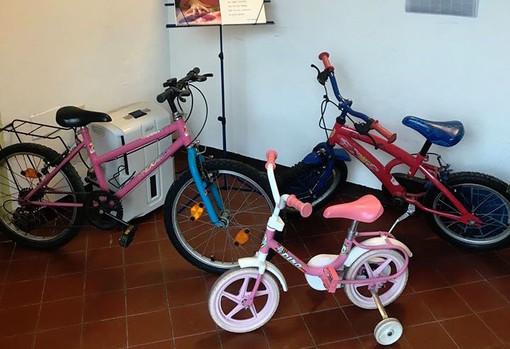 """""""Dona Bici"""": arrivate oggi alla Banca del Dono le prime tre biciclette da regalare ai bimbi più bisognosi"""