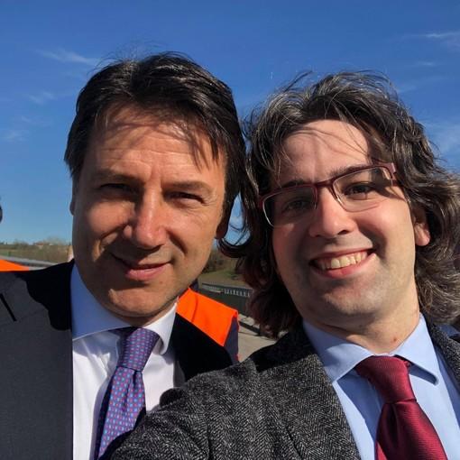 L'Onorevole Romano con il premier Conte durante la visita di quest'ultimo al cantiere dell'Asti-Cuneo