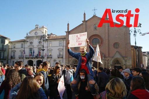 """I Fridays for future astigiani: """"Sindaco, dichiariamo lo stato di emergenza climatica anche qui ad Asti?"""""""
