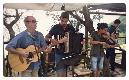 I Mala Hora Klezmer Balkan Music